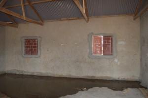 Nieuwe vloeren, omlijsting ramen binnen
